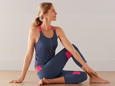 Amoena pocketed activewear
